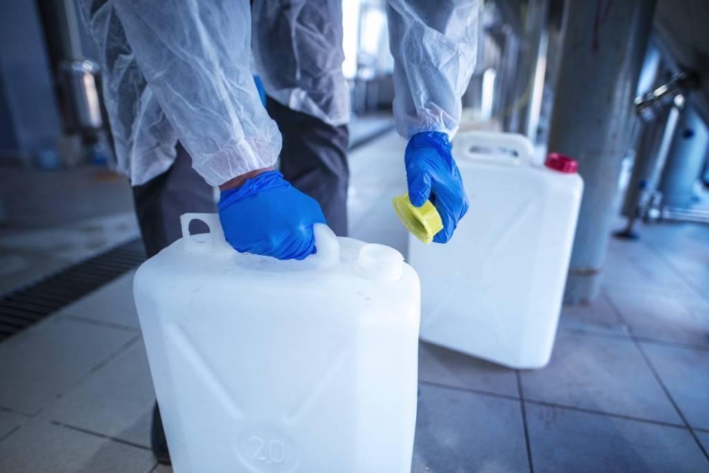solutions pour stocker des acides et bases